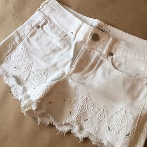 LOFT Scalloped Hem Frayed Shorts